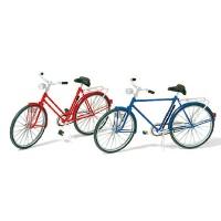 2 Fahrräder 1:22,5 Bausatz, bemalt, aus Kunststoff