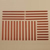 Säulen und Ziegelfriese rot